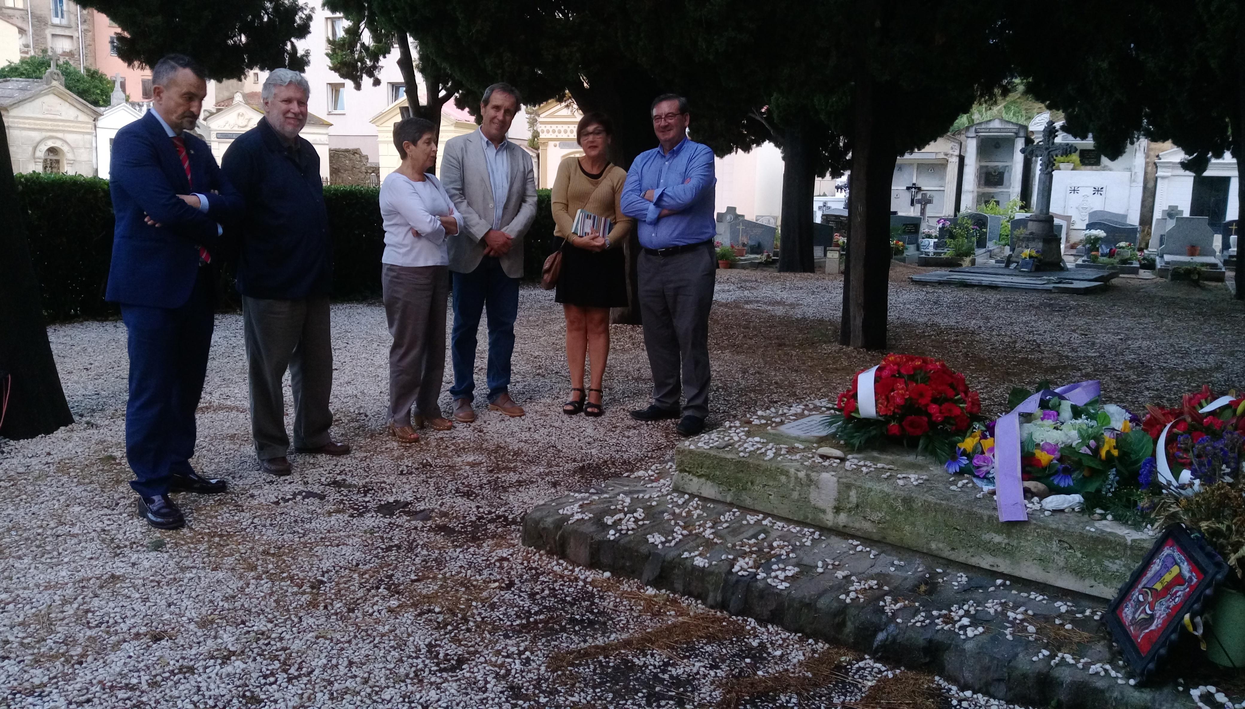 Visites sur la tombe d'Antonio Machado