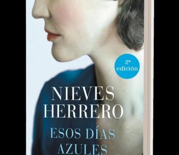 Esos días azules de Nieves Herrero – Hommage à Pilar de Valderrama